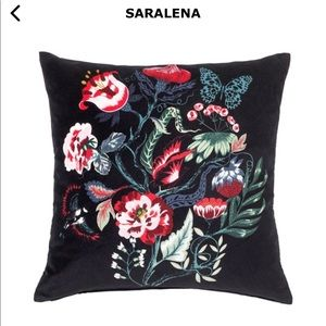 IKEA!!❤️😊Saralena  cushion cover with pillow